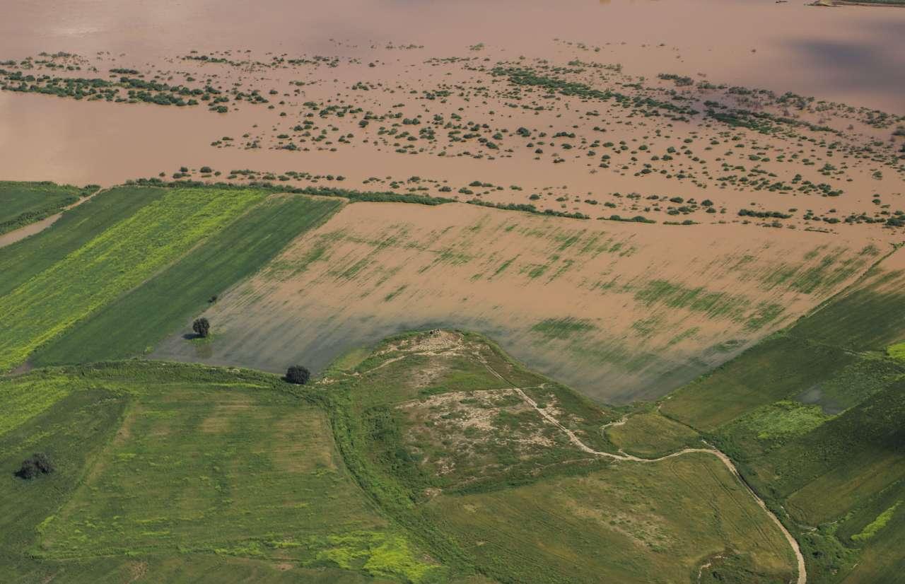 خسارت سیل به بخش کشاورزی با پرداخت کمک بلاعوض، تسهیلات قرض الحسنه و استمهال وام جبران می شود